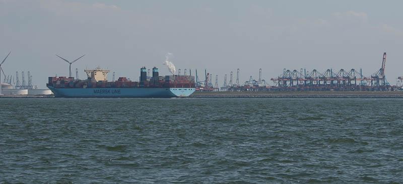Containerschip voor Tweede Maasvlakte