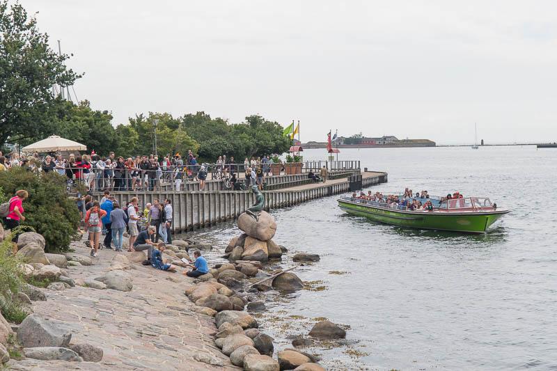 Publiek bij Kleine Zeemeermin